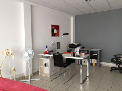 Local professionnel - BOURG DE VINEUIL